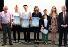 Lauter glückliche Gesichter bei der Preisverleihung der ersten Walter Benjamin Short Film Competition Portbou (Fotografie: Joan Gubert)